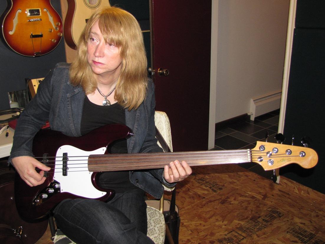 bass number 43 levi re59 c 5 string fretless bass 101 basses. Black Bedroom Furniture Sets. Home Design Ideas