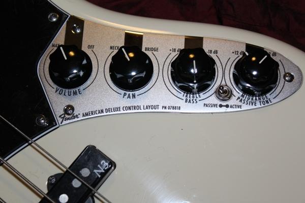 bass number 71 2011 fender american deluxe jazz bass v 101 basses. Black Bedroom Furniture Sets. Home Design Ideas